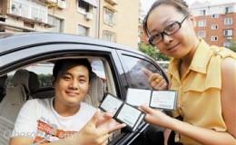 天津市首批36名听力残疾人拿到驾照