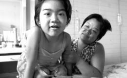 贫困母亲为给女儿抵用输血费近一年月月献血