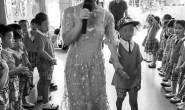 毁容幼童已入幼儿园:给同学带了半书包糖果