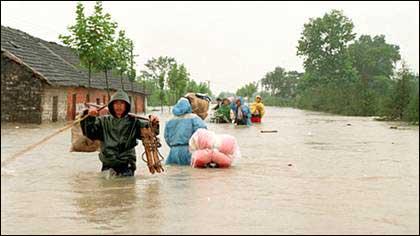 今年长江中下游汛期洪灾或超 1998 年 江苏启动安检
